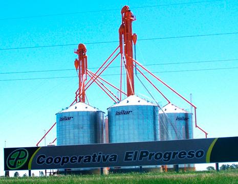 <h3>Acopio de cereales y oleaginosas</h3>• Planta de Acopio  en Lucas González.<br />• Planta de Acopio en Nogoyá.<br />
